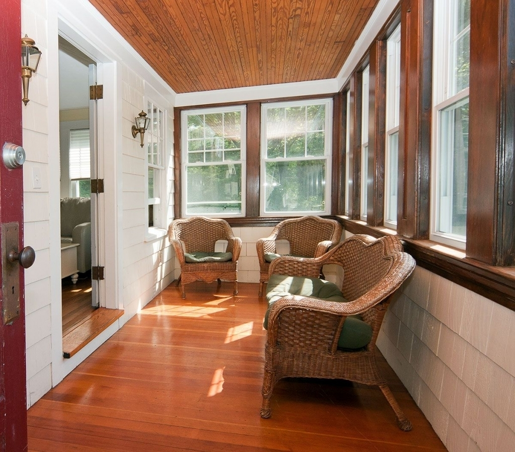 Small Home House Plans: Enclosed Front Porch Ideas And Its Advantages