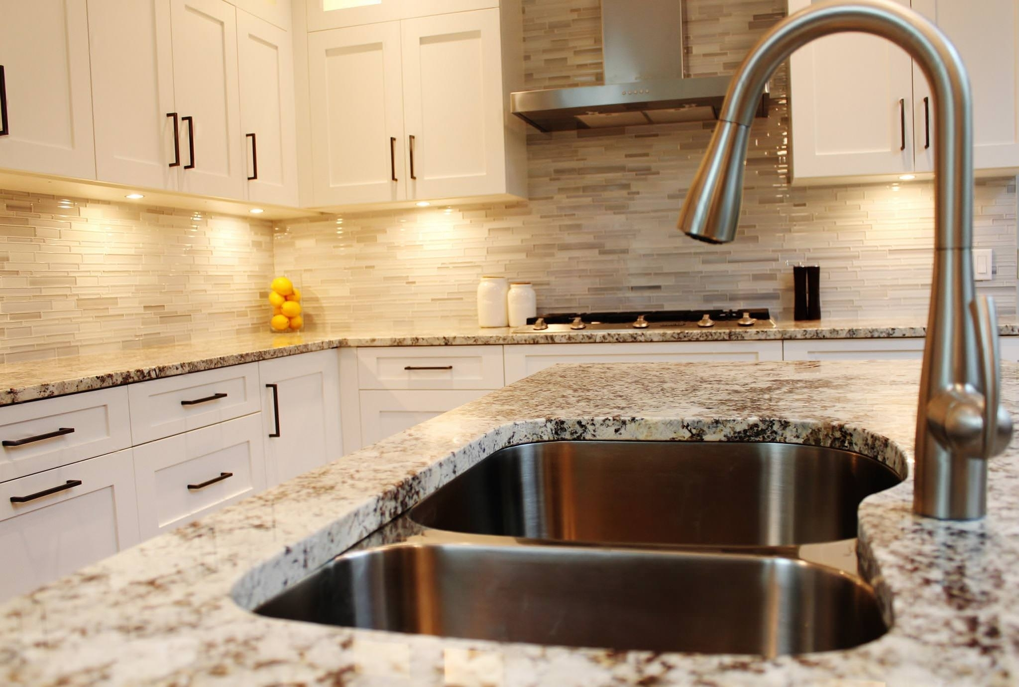 Backsplash For Alaskan White Granite Randolph Indoor And Outdoor Design