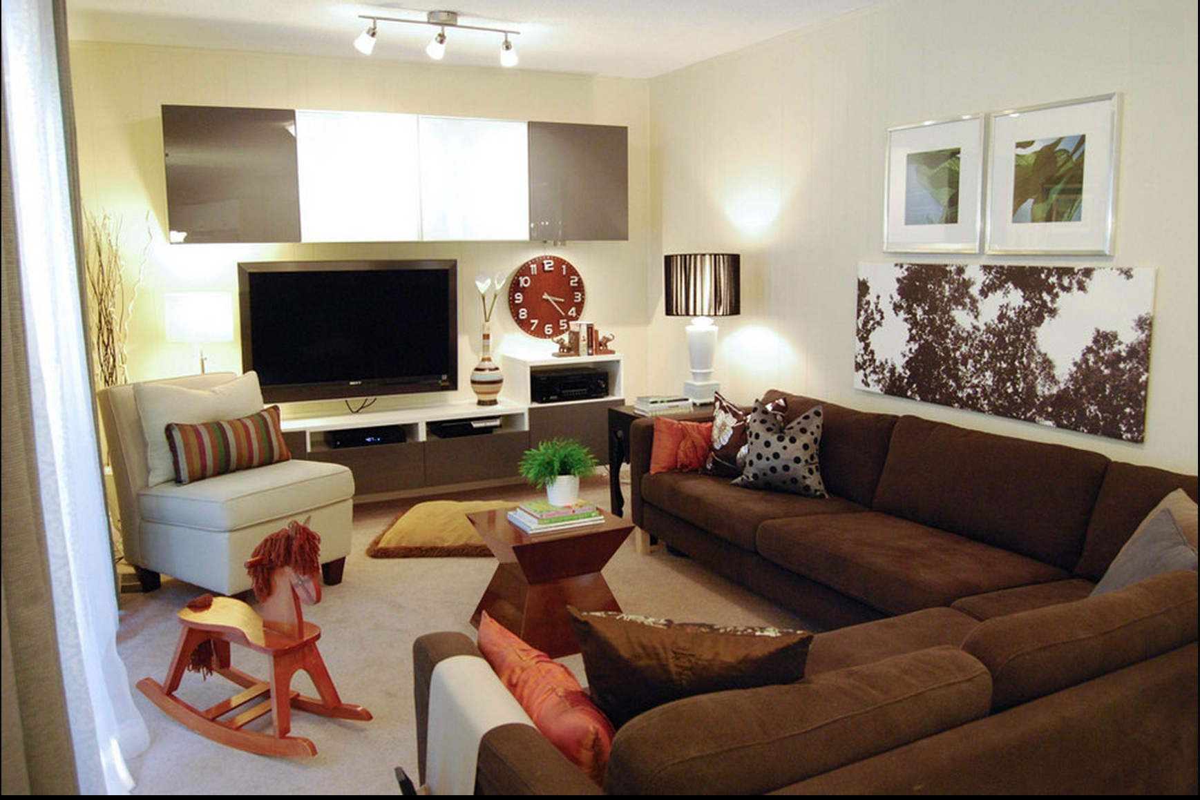 Brown couch decor ideas