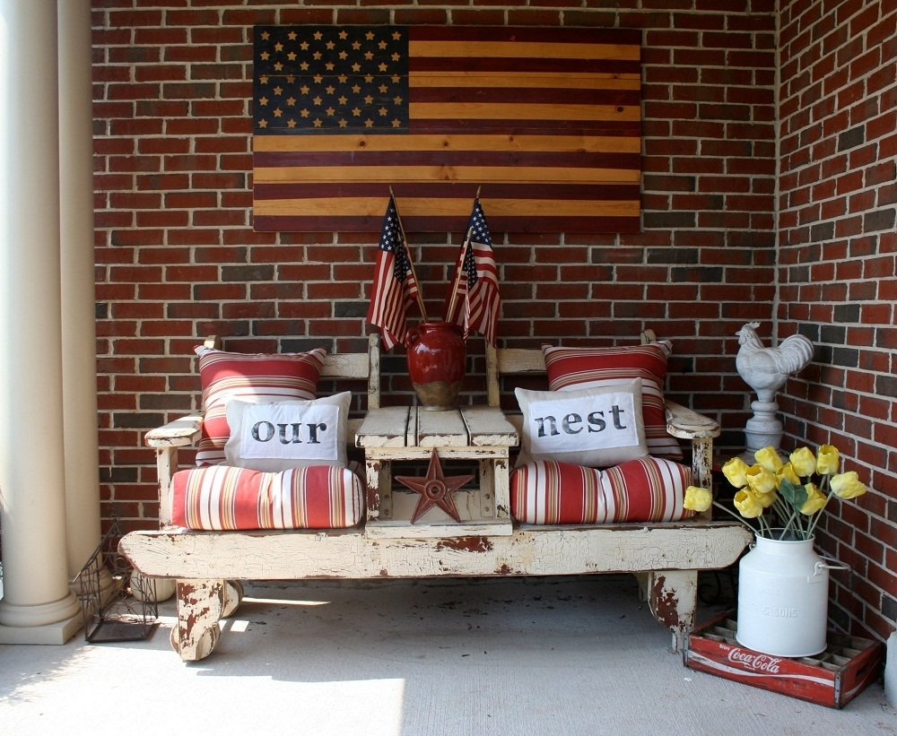 Country Front Porch Christmas Decorating Ideas — Randolph