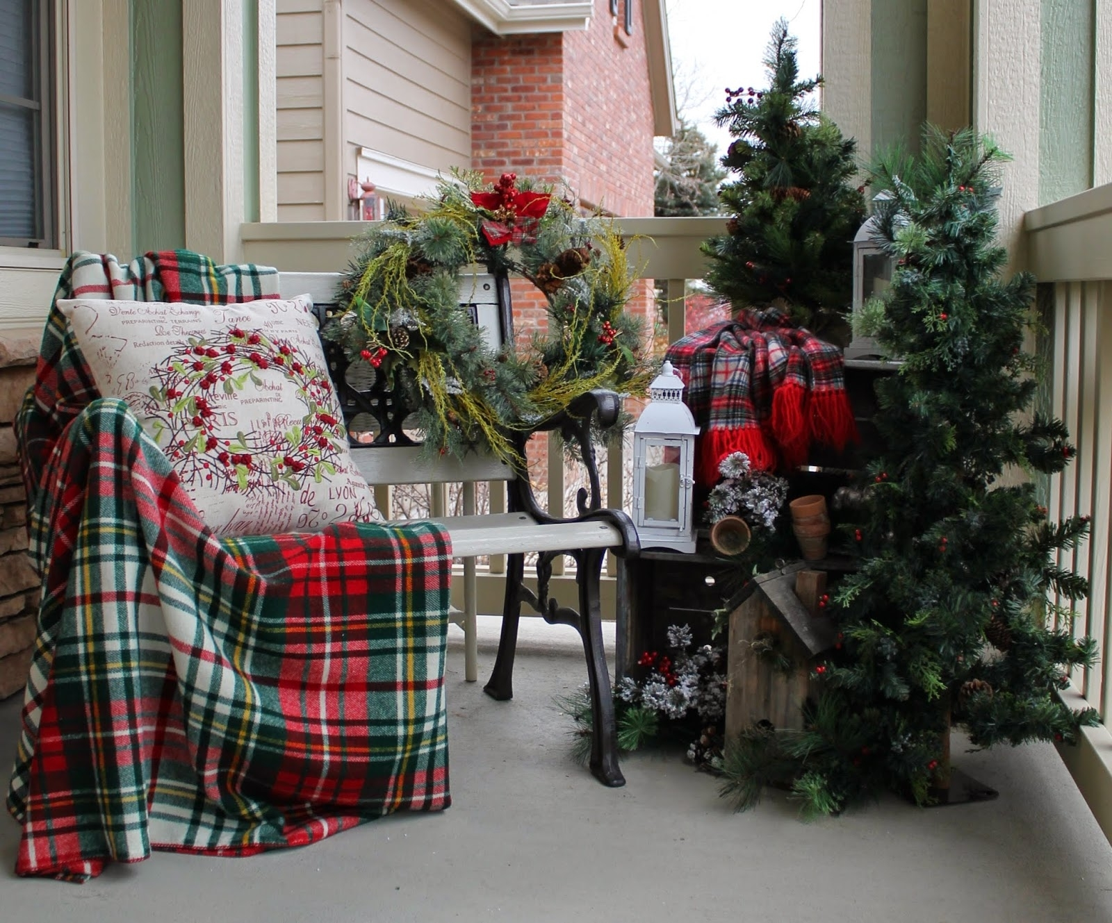 Country Porch Christmas Decorating Ideas Randolph Indoor And Outdoor Design