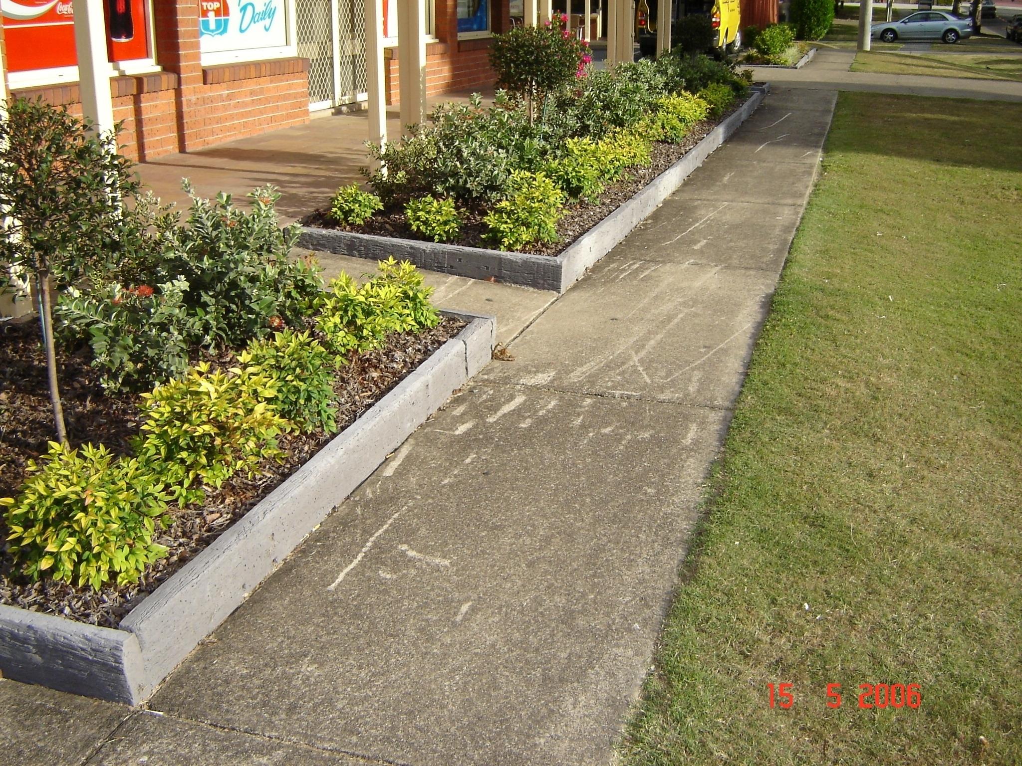 diy concrete landscape edging forms \u2014 randolph indoor and outdoor designdiy concrete landscape edging forms