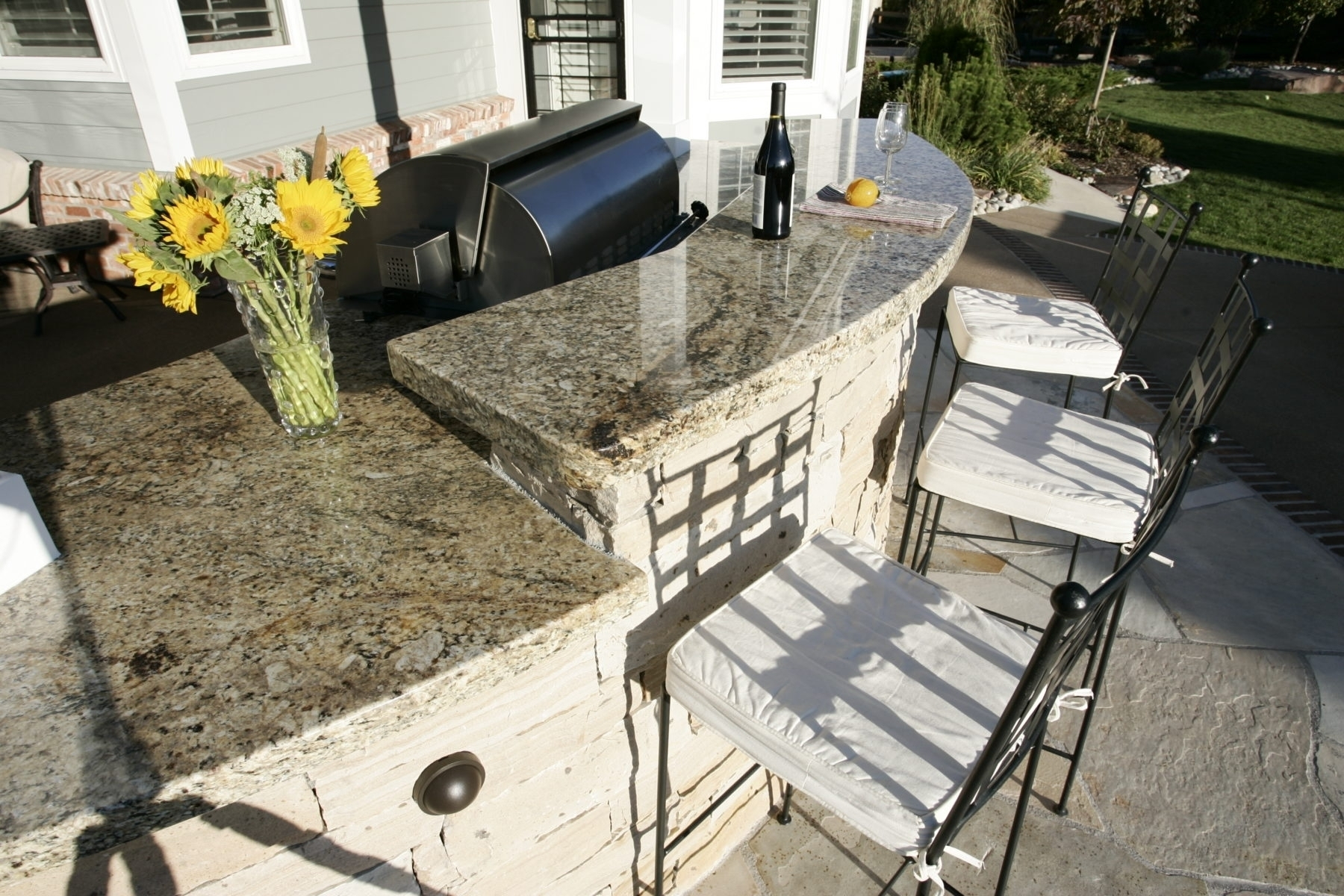 Granite Countertops For Tuscan Travertine Outdoor Kitchen ...