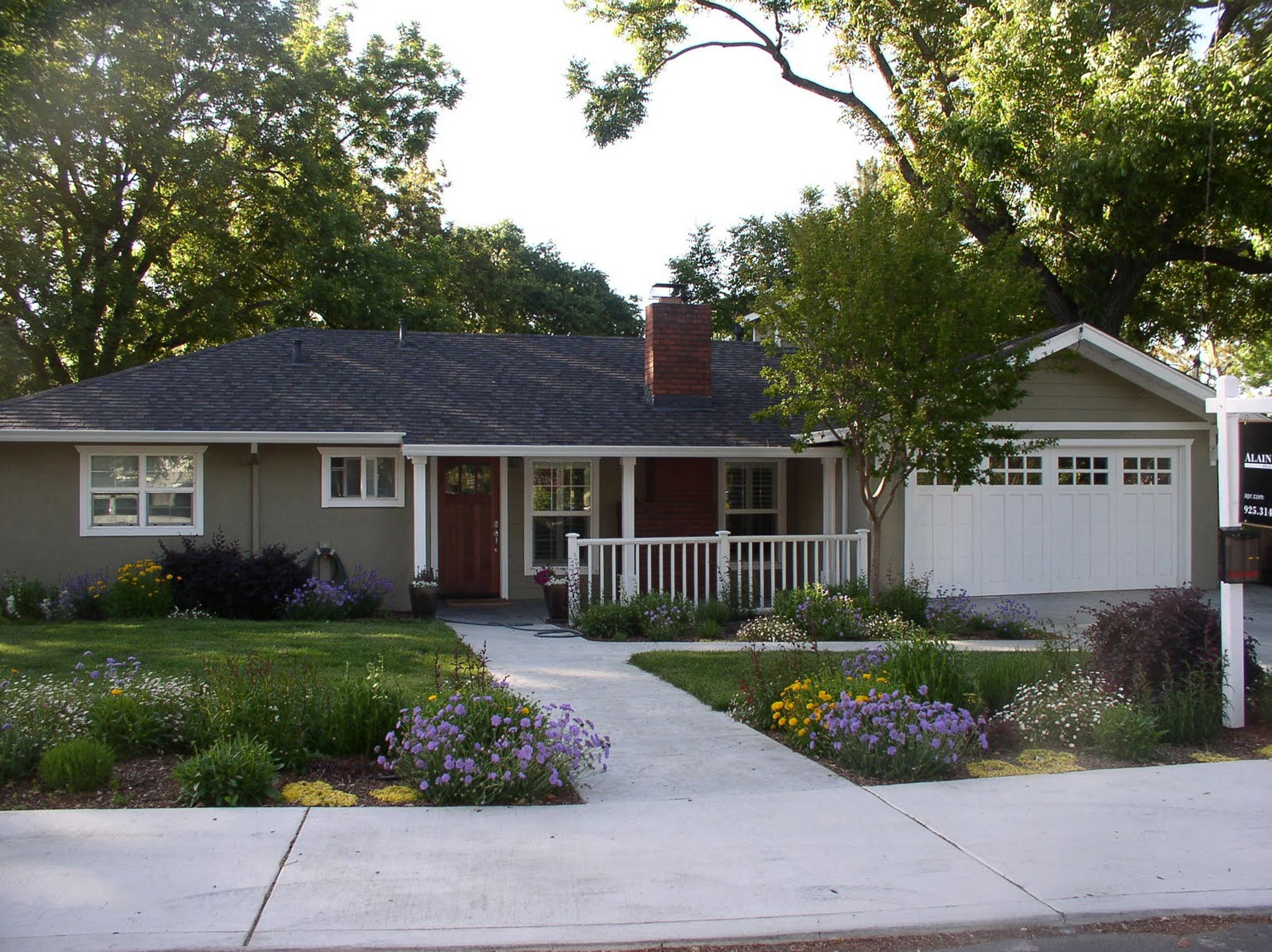 Landscaping Ideas For Ranch Style Homes In The Midwest ... on ranch house curb appeal landscaping, ranch landscaping ideas, ranch house landscaping designs,