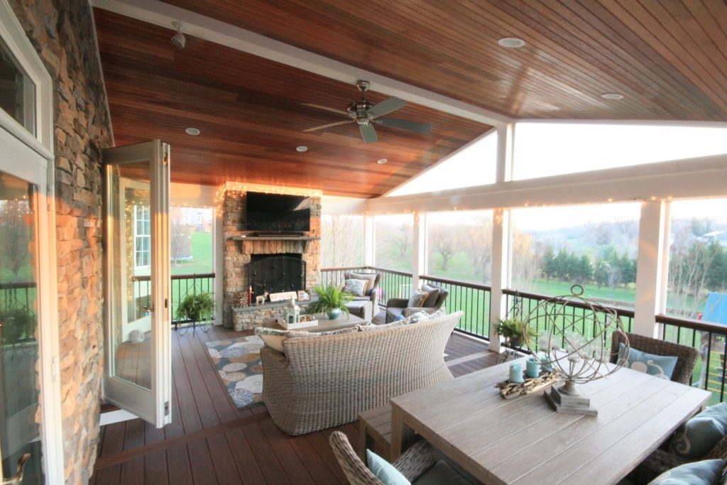 Modern Screened In Porch With Vaulted Ceiling Ideas ...