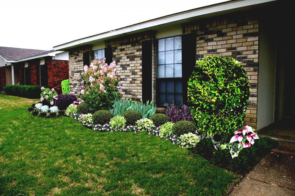 Simple Front Yard Landscaping Ideas For Ranch Style Homes ... on Simple Yard Designs id=42964