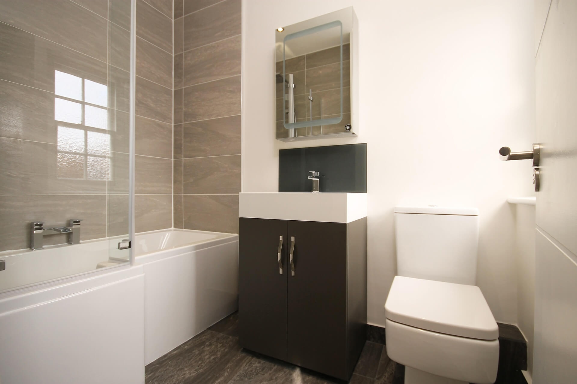 Best Layout For Small Bathroom Randolph Indoor And Outdoor
